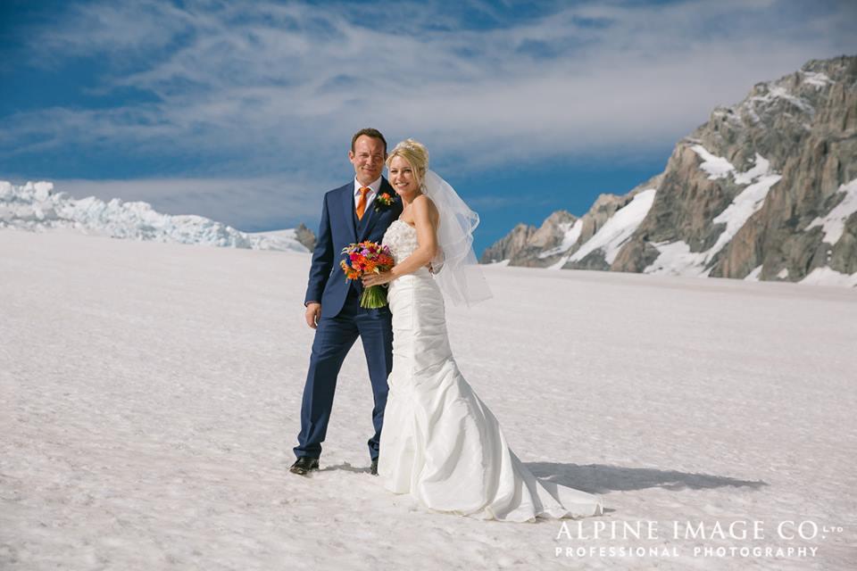 mt cook lakeside retreat wedding photos