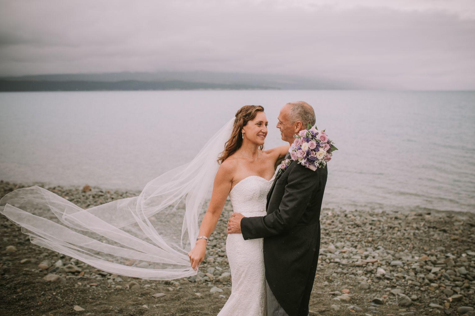 wedding photos at mt cook lakeside retreat